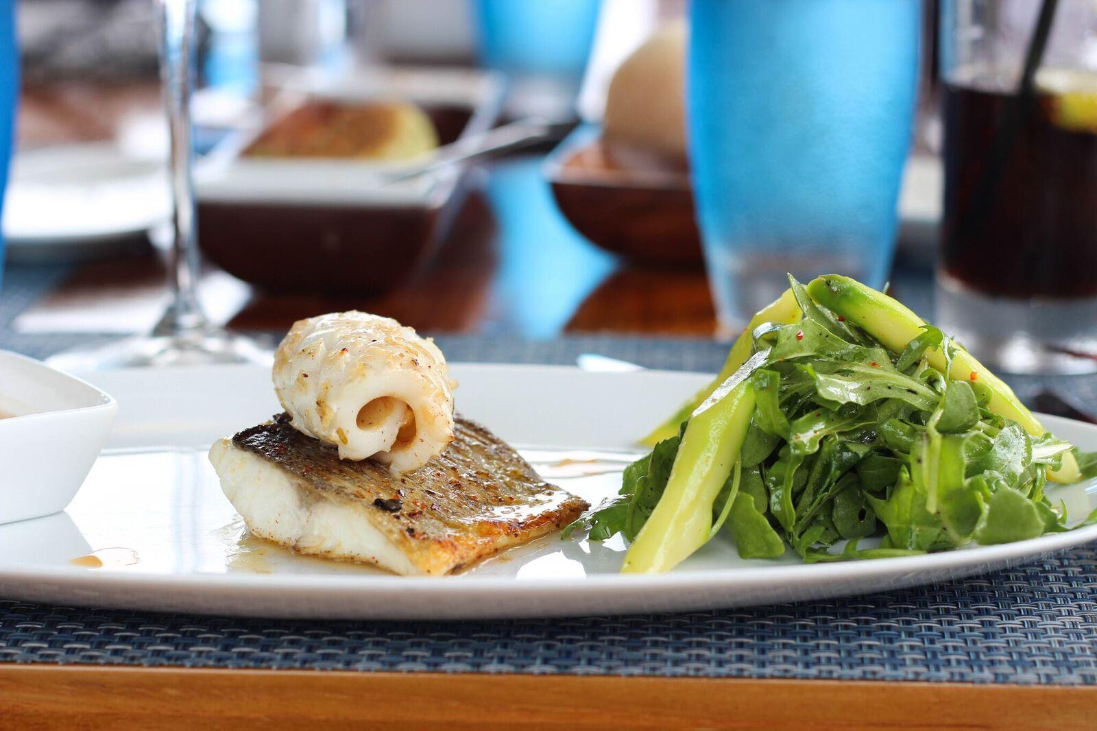 cmri_calamari-and-seabass-served-with-rocket-and-aspargus_credit-sabrina-chakici
