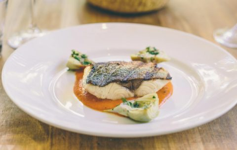 king-fish-with-saffron-sauce-and-artichoke-900x568-1